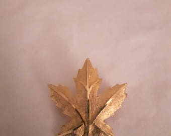 Vintage Coro Brooch - Gold Tone Maple Leaf - 1960s