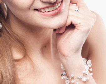 Swarovski Crystal bracelet  Rhinestone Moonstone bracelet Raw crystal Wedding jewelry bracelet White Clear Gemstone bracelet Snow white