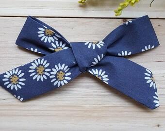 Blue Daisy Oversized Schoolgirl Bow