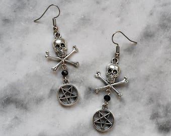 earrings skull inverted pentagram pentacle silver macabre horror death gothic occult pagan witch witchcraft witchy dark