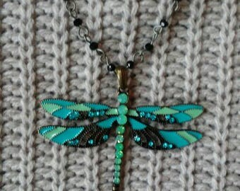 Women's dragonfly necklace. Beautiful womens necklace. Womens necklace. Womens jewelry. Dragonfly jewelry.