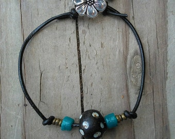 Trade Bead Bracelet, Tribal Bracelet, Trade Bead Jewelry, Women's Jewelry, Women's Bracelet, Leather Bracelet, Hippie Bracelet