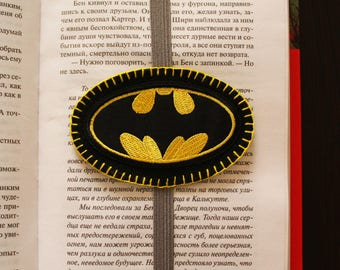 Handmade felt bookmark with elastic and batman applique, bookmark for kids