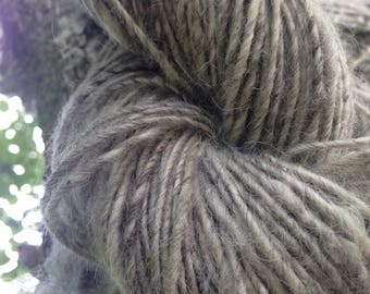 Pure Icelandic, Organic, Hand spun, single ply, yarn, birch bark grey