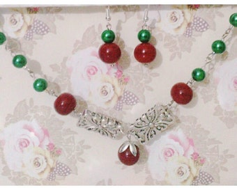 Beaded necklace with red glass bead