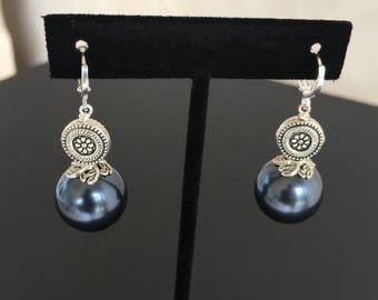 Black Pearl Earrings by Dobka