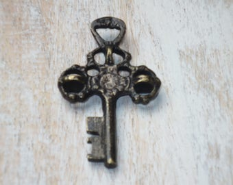 Rare Bronze Skeleton Key Pendant, Skeleton Key, Vintage Style Skeleton Key