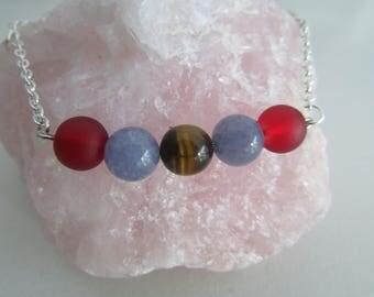Pearl bracelet with stones