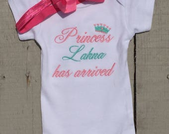 Baby Girl Clothes, Bodysuit, Princess Has Arrived, Embroidered onesie, Welcome Home, Baby Girl Onesie, Personalized, Baby Girl Clothes