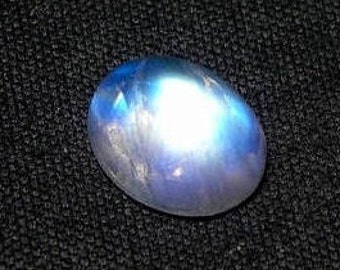 30% Discount Sale, Rainbow Moonstone Smooth Oval Cabochon, 9x11x6 mm, Natural Rainbow Moonstone, White Rainbow Oval Cab, Wt-4.50 Ct, Blue Fl