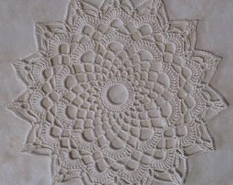 round doily ecru crochet 18 cm