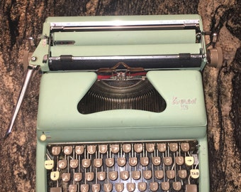 Everest K2 Deluxe Edition Manual Typewriter