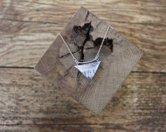 Necklace chain Silver 925 triangle shaped resin (silver and handmade paper)