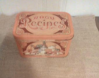 Vintage tin Ragu recipe box