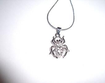 Chain silver metal spider pendant
