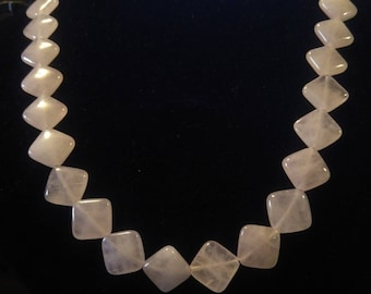 Necklace in rose quartz, stress or love (1)