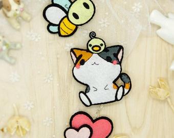 DIY Kit Kitten & Bee Car Pendant / Ornament / Hanging