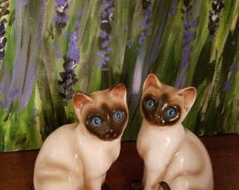 Siamese Cats Enesco, Siamese Cats Vintage Enesco Seal Point , cat lover gift, mid century decor 1960's, blue eye cats, siamese twins