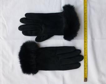 Vintage ladies gloves - black suede with faux fur trim