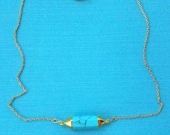 Teal stone gold tone necklace