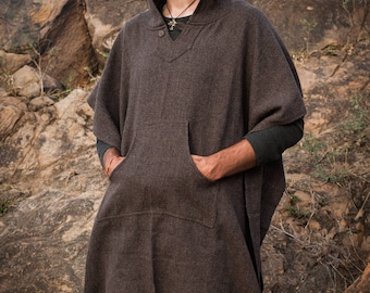 Wool poncho with hood and pocket - unisex brown