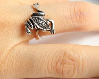 Lovely Vintage Figural Frog Sterling Silver Ring, Vintage Ring