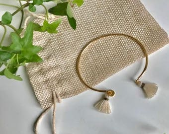 Gold with beige tassel - Henriette - Bangle