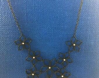 Black flower tier necklace