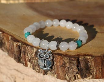 White jade and amazonite beaded bracelet. Owl bracelet.