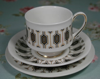 Art Deco Paragon Fine Bone China Tea Trio, Tea Cup, Saucer, Side Plate, Symmetra Design by Royal Appointment To Her Majesty The Queen
