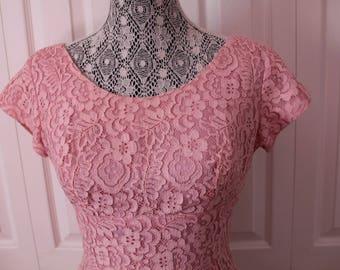 1950s Dress Town Pink Lace Wiggle Dress Medium