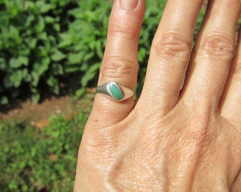 Vintage Native American Sterling silver and Inlaid Turquoise Ring - Size 5      1612