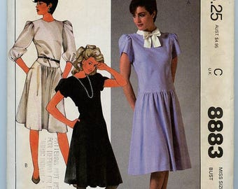 McCall's Pattern 8883 - short or long sleeve dress