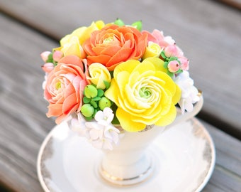 CLAYCRAFT by DECO - Mini Teacup with Clay Ranunculus, Rosebuds, Hipericum Berries, and Hydrangeas