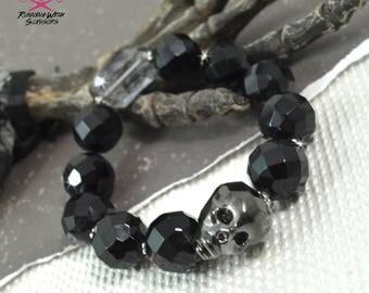 METALLIC SKULL - Czech Crystal Beaded  Bracelet in Black and Gunmetal