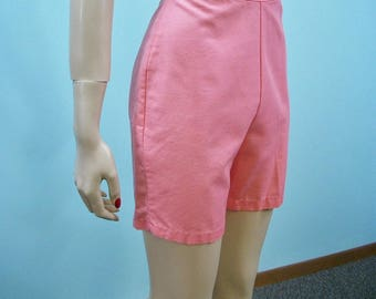 50s 60s Shorts . Salmon Pink High Waist Metal Zipper Shorts . XS S