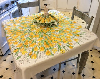 Vintage Vera Tablecloth & Napkins Field of Sunny Yellow  Crocuses