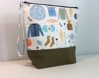 Large Knitting Project Bag - Knitting and crochet print