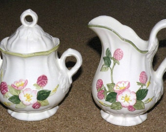Sculptured Berry Creamer and Sugar with lid set
