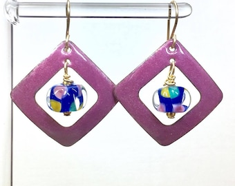 Lampwork glass & enamel window earrings violet red, square washers tropical colors faceted by Paulbead 14kt gold filled gift earrings
