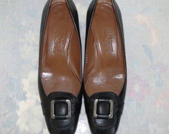 Salvatore Ferragamo black leather logo low heeled pumps size 8.5 B Near Mint