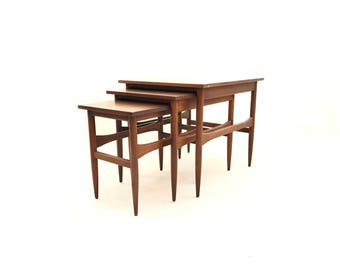 Vintage Mid Century Nesting Tables In Wood