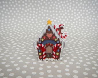 Gingerbread House Christmas Holiday Candy Resin Needle Minder - Strong Neodymium Magnet Acrylic Resin Plastic Cross Stitch Fridge Novelty