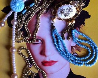 Baby blauw - parel wit en vintage goud uniek collier met broche!