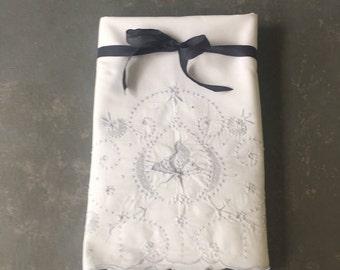 Vintage White embroidered Pillowcases, pillowcase set, cotton