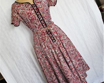 Cute Vintage 1950s Cotton Day Dress