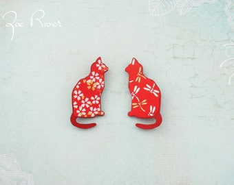 Red and white cat brooch. Japanese paper, wooden cat brooch. Japanese brooch, japanese paper, wood broach, pin, Cat coat pin.