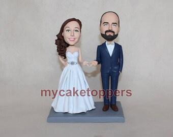 Unique wedding cake topper, wedding cake topper mr and mrs, wedding figures, wedding bobble head cake topper, bride and groom cake topper