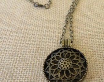 Aromatherapy Round Metal Locket Pendant On Chain