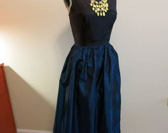 Dress black blue metallic 1950s cocktail party gown taffeta fit and flare 6 M